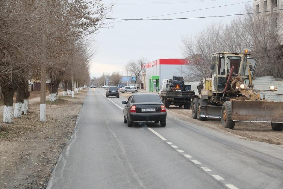 До конца года завершат ремонт дороги в Ленинск Волгоградской области