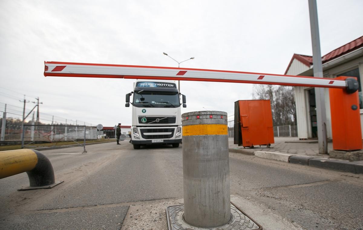 В Беларуси увеличится количество мест, разрешенных для стоянки транзитного транспорта
