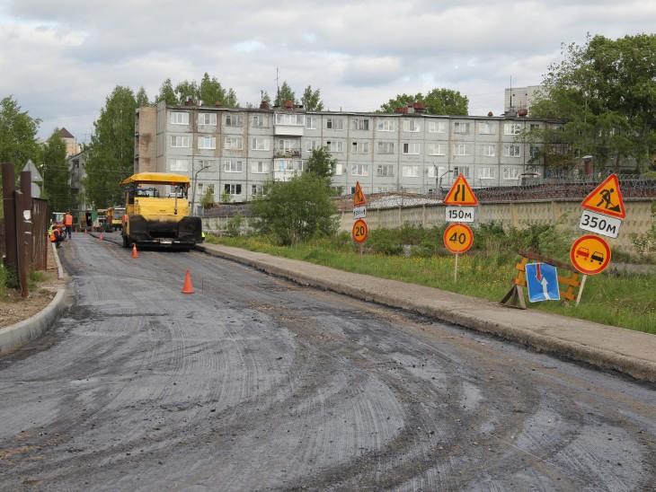 Размытые дождями дороги в одном из районов Коми восстановят в конце сентября