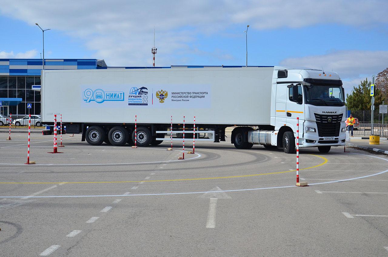 Зачем проводить конкурсы на звание лучшего водителя грузовика