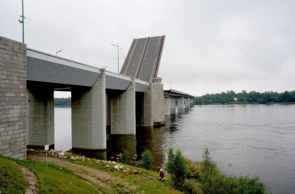 20 июля трассу Р-21 «Кола» дважды перекроют из-за разводки мостов
