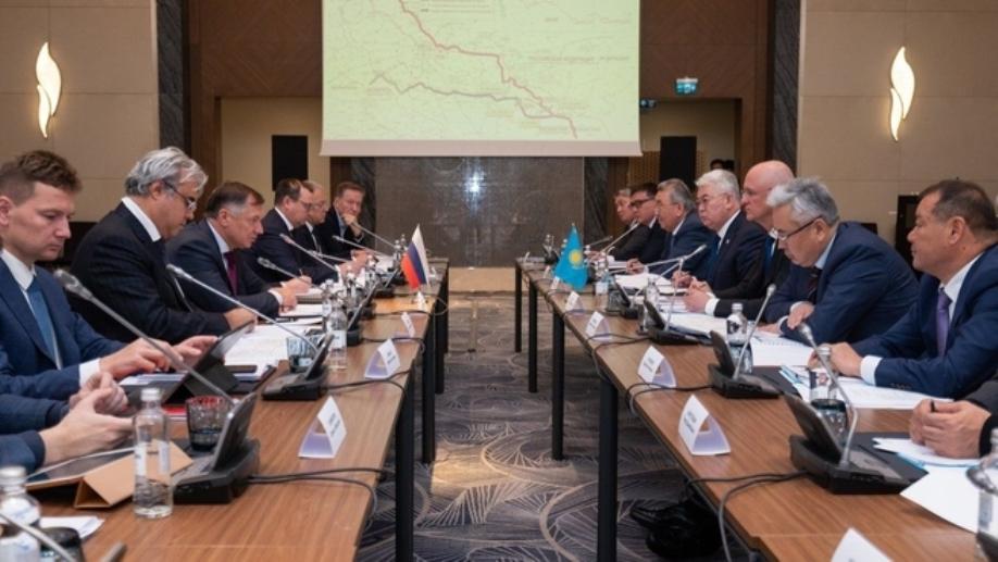На границе с Казахстаном реконструируют три пункта пропуска