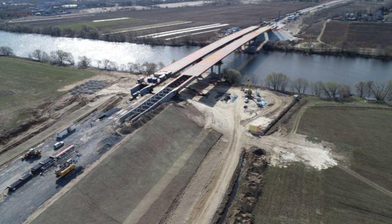 На ЦКАД-4 полностью завершена надвижка пролетных строений моста через реку Москва