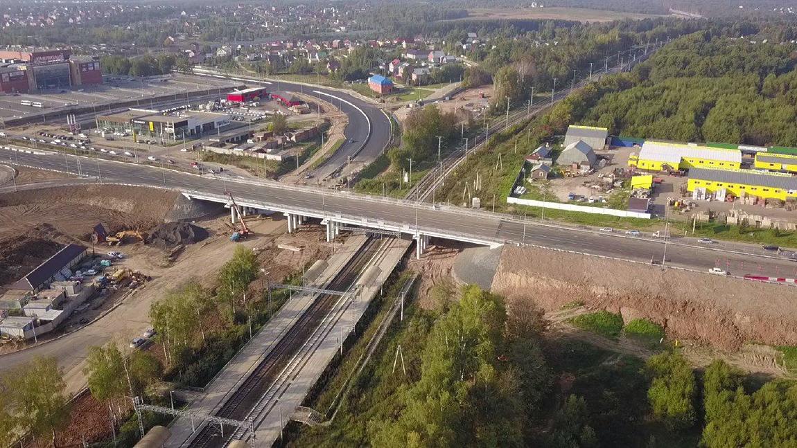 Движение по путепроводу на трассе А-108 близ Сергиева Посада открыто