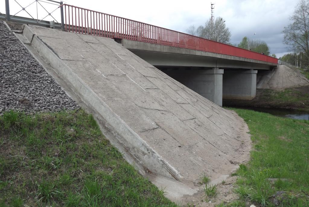 На мосту через Шомушку на трассе А-114 ввели реверсивный режим