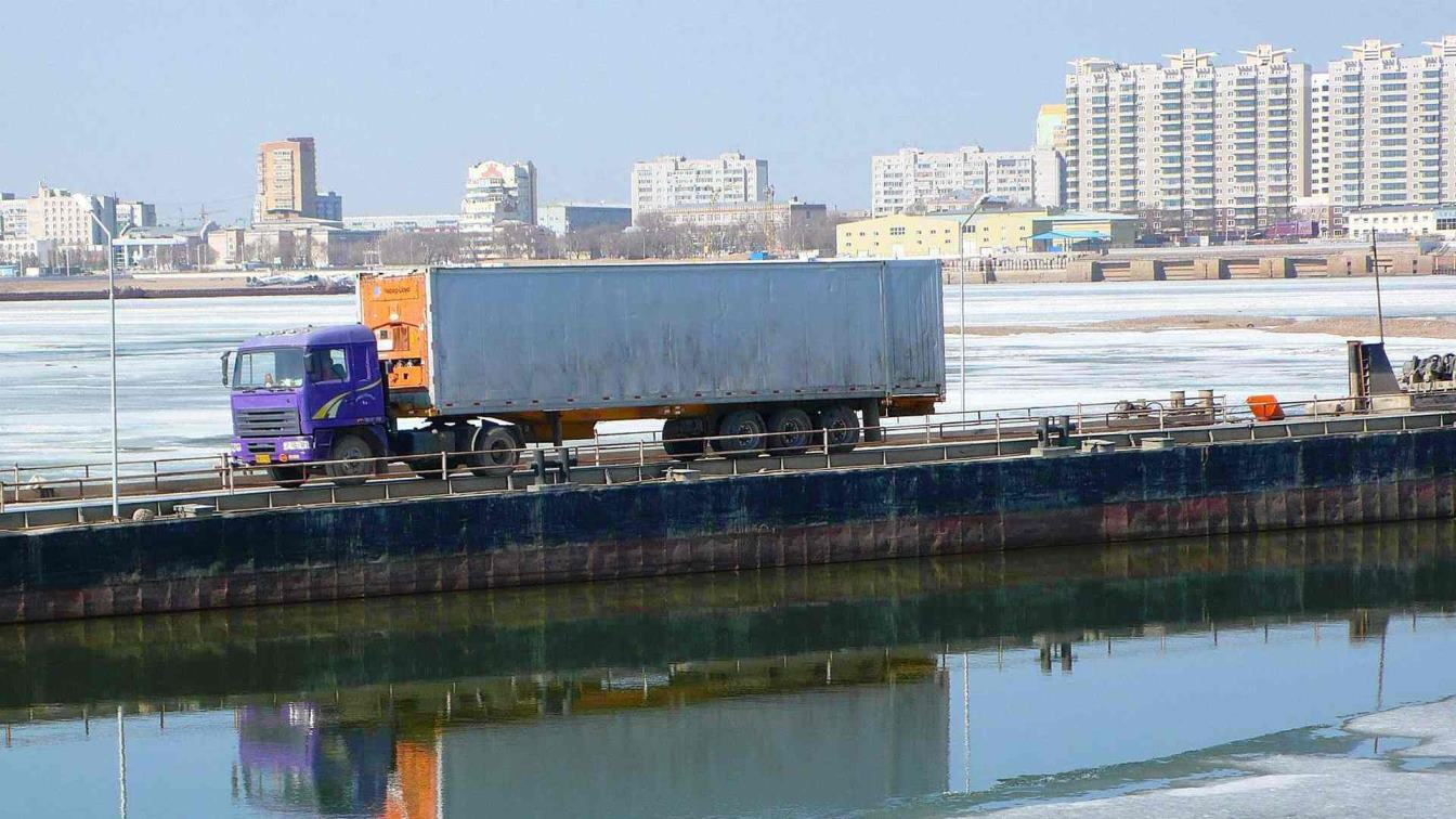 В Амурской области закроется понтонный мост между Благовещенском и Хэйхэ