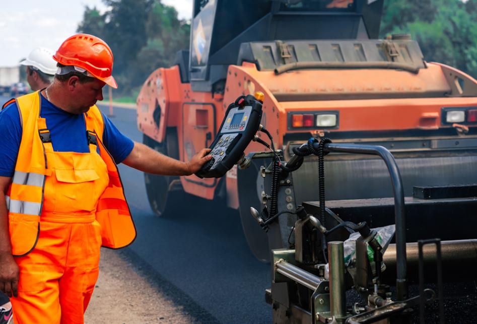 Правительство выделило еще 8,7 млрд. рублей на ремонт дорог в регионах