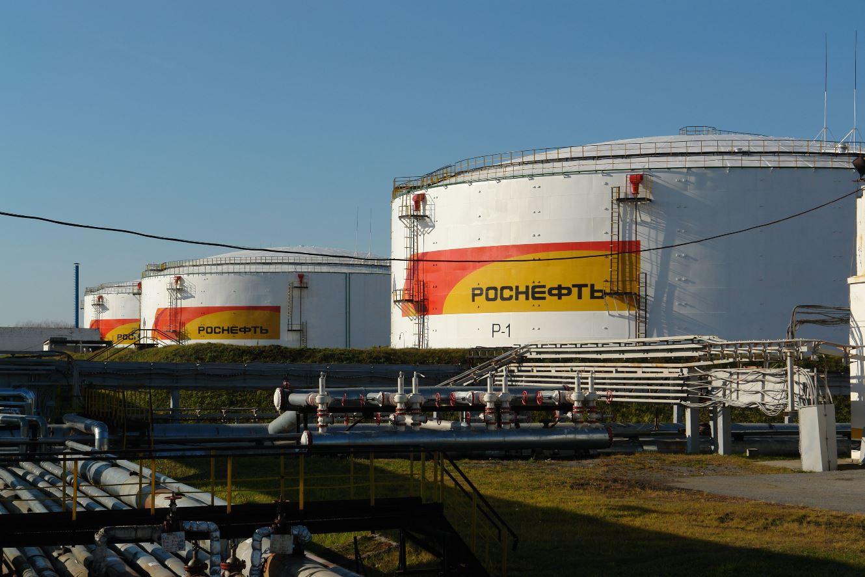 Нефтяников обязали увеличить запасы топлива