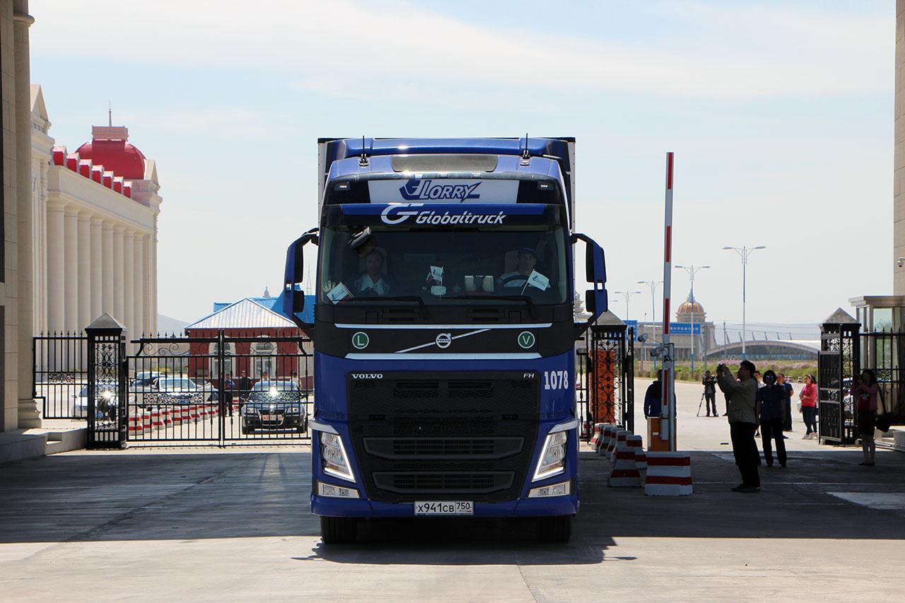 Министерство транспорта РФ просит КНР об увеличении нормы пропуска грузовиков через границы в Забайкальском и Приморском краях