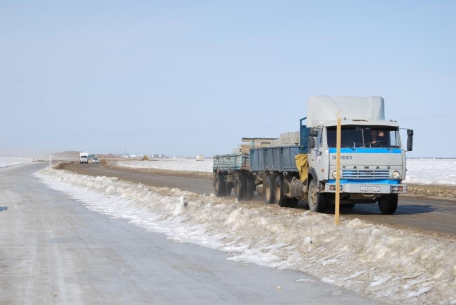 На трассе «Колыма» в Якутии увеличили грузоподъемность ледовых переправ