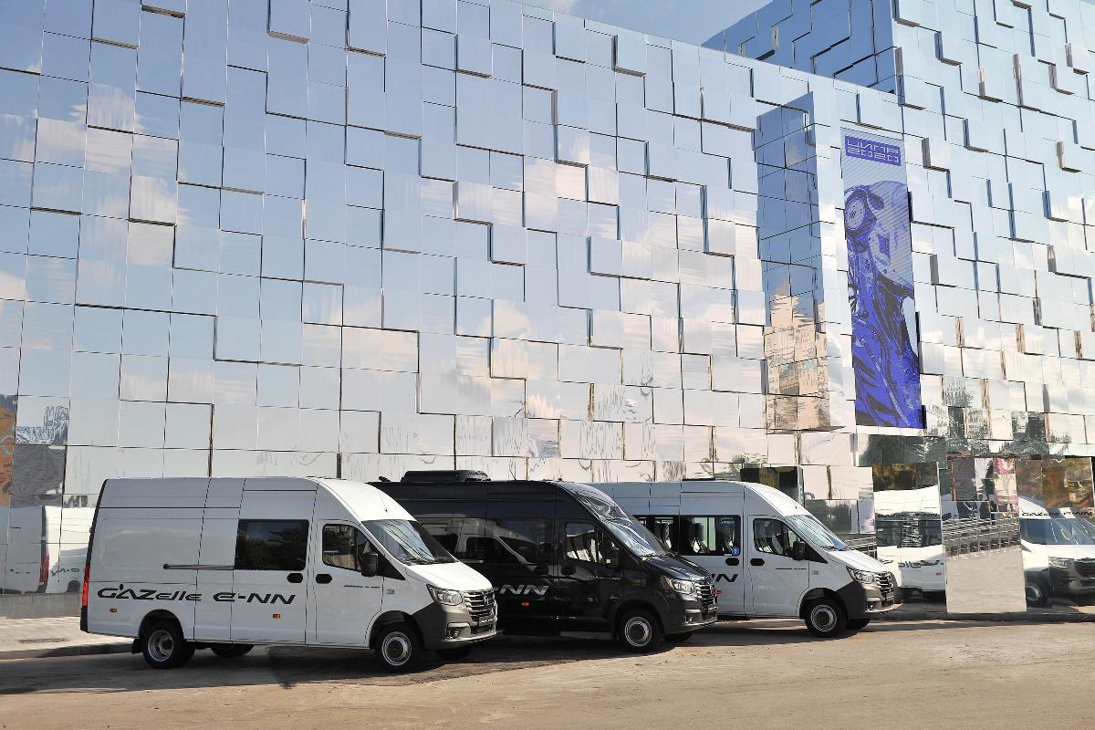 «Почта России» получила в тестовую эксплуатацию первый электромобиль