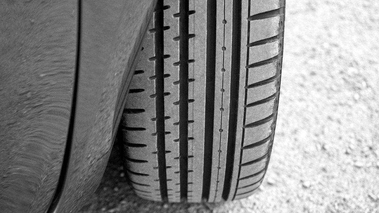 С 1 марта 2022 года могут ввести штраф за шины, не соответствующие сезону