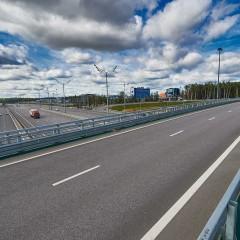 Половина проездов по скоростным трассам оплачивается с помощью транспондеров