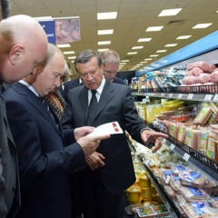 Россияне теряют от продуктовых санкций около 445 млрд. рублей в год
