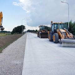 Для ремонта дорог в Калининградской области впервые используют фибробетон