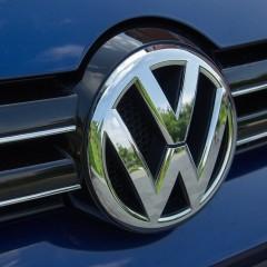 Volkswagen и General Motors прекратят выпуск машин с гибридным двигателем в пользу электроавтомобилей