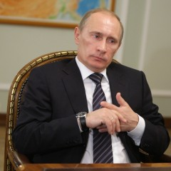 Владимир Путин: Сильно ограничивать рост цен на моторное топливо опасно