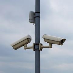 Штрафы за использование телефона за рулем с помощью камер распространят на другие регионы