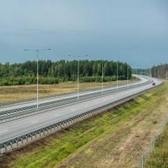 На двух участках трассы М-11 разрешенную скорость поднимут до 130 км/ч