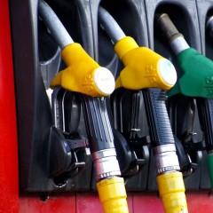 Розничные цены на бензин в России в июле выросли на 0,9%