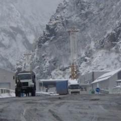 Более 330 большегрузов ожидают проезда на закрытой Военно-Грузинской дороге