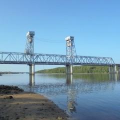 На трассе Р-21 «Кола» 8 октября на два часа разведут мост через Свирь