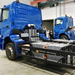 «КамАЗ» представил первый электрический мусоровоз «Чистогор»