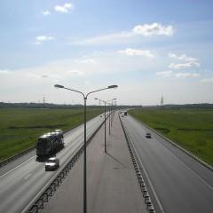 С 23 сентября на участке внутреннего кольца КАД между Рябовским и Колтушским шоссе перекроют две полосы движения