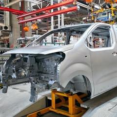 Автопроизводители начали приостанавливать свои заводы в России из-за нехватки компонентов