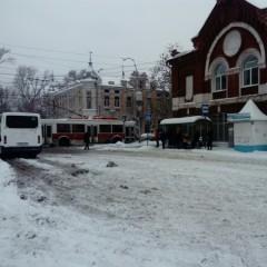Грузовым автомобилям запретили въезд в Саратов в дневное время