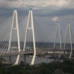 Две полосы на Вантовом мосту на участке КАД в Санкт-Петербурге перекроют до конца ноября