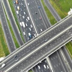 На грузовики от 3,5 тонн придется получать транзитные пропуска на МКАД