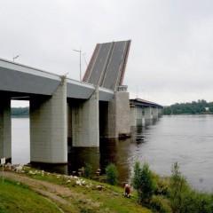 В ночь на 28 сентября разведут Ладожский мост на трассе Р-21 «Кола»